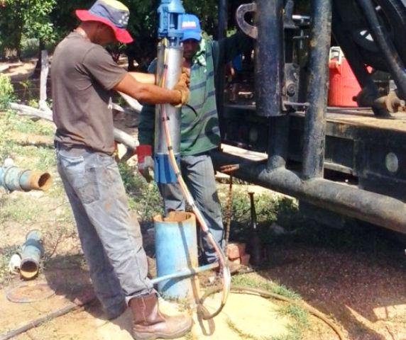 restablecen-serviciode-agua-en-varios-sectores-de-la-villa