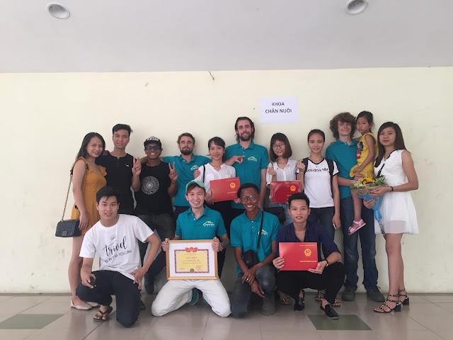 volunteering - teaching english