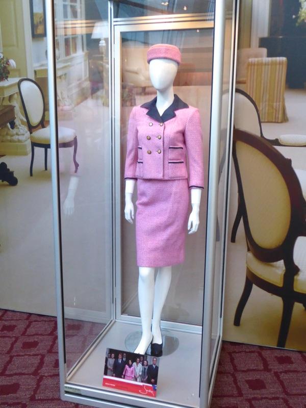 Natalie Portman Jackie Kennedy film costume