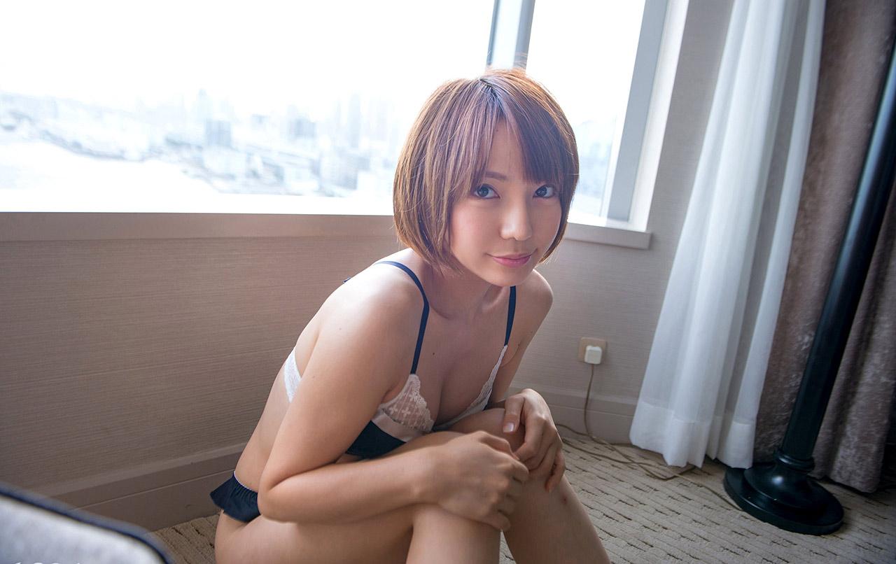 ayumi takanashi sexy bikini pics 02