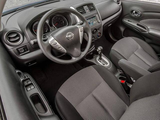 Novo Nissan Versa 2017 Automático CVT - interior