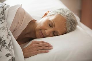 Ngủ đủ giấc là phương pháp giảm cân an toàn cho người cao tuổi