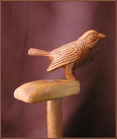 Bastón pájaro. Talla en madera