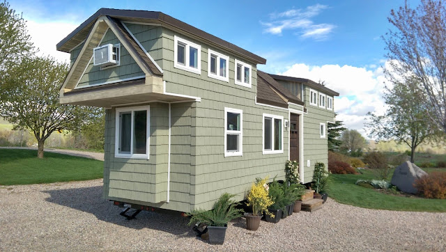 Tiny house town the 200 sq ft family tiny home for Tiny house family of 6