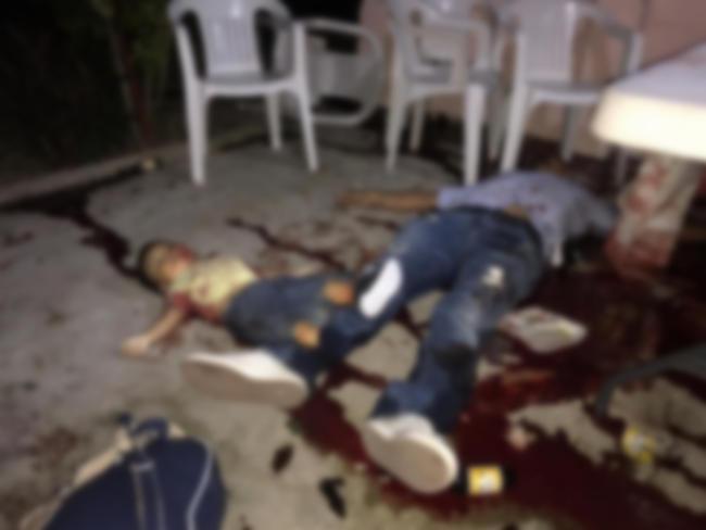 Imagenes del terror en Minatitlán, Veracruz, Sicarios ejecutaron a 13 pero ¿Por que el niño? ¿Que culpa tenia el?