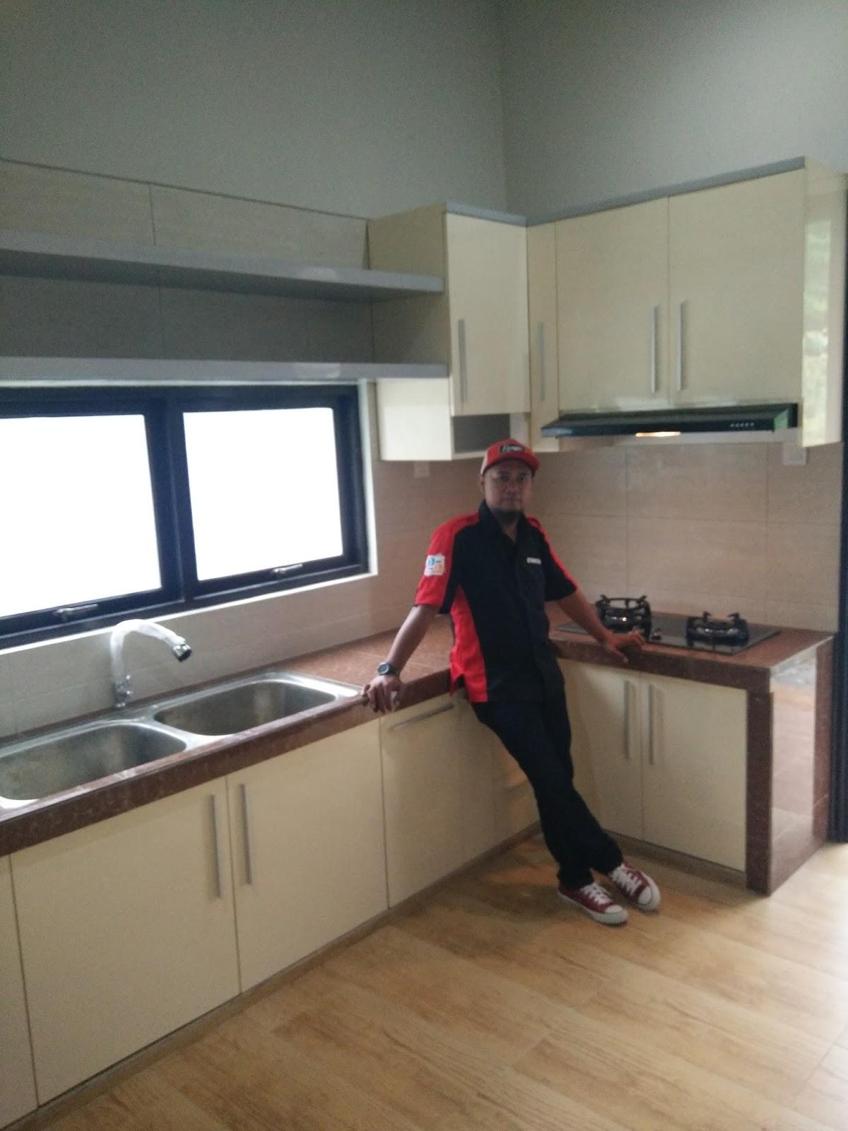 Jogjasukoharjodelanggukaranganyartukang bikin kitchen set di solotoko kitchen set di solosukoharjodelanggukaranganyarkitchen set modern