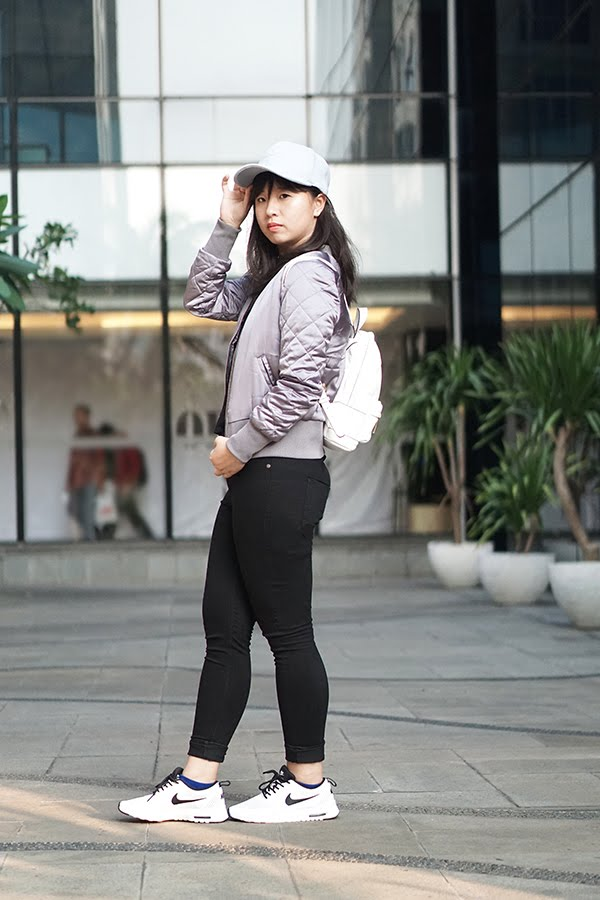how to style bomber jacket