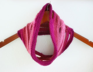 Ombre String Cowl Crochet Pattern by Susan Carlson of Felted Button