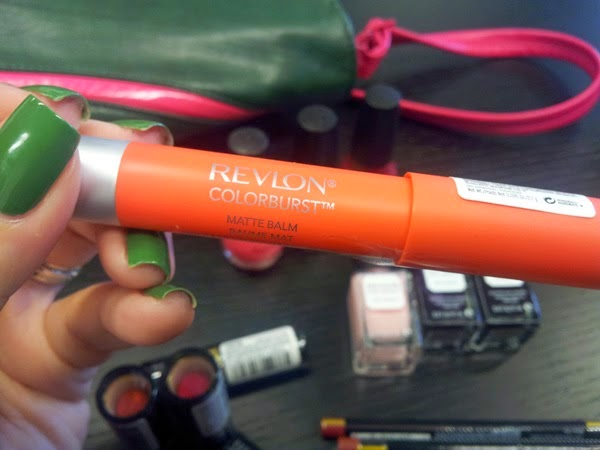 make up revlon 02