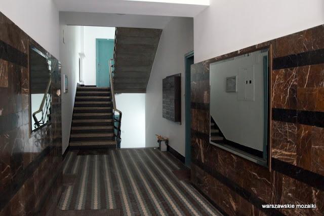 Warszawa Warsaw lata 30. Mokotów kamienica architektura modernizm klatka schodowa marmur gorseciki