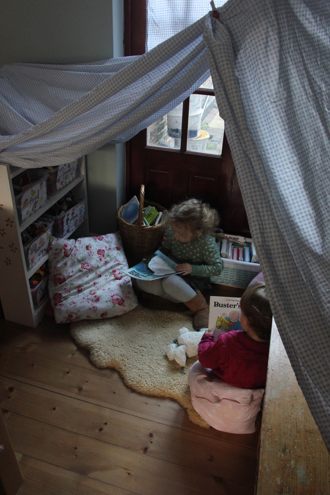 30 Days To Hands On Play Challenge: A Reading Tent