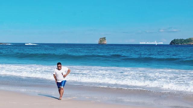 pantai pasir putih di malang