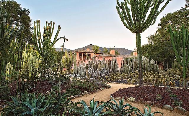 Jardins em Lotusland em Santa Bárbara