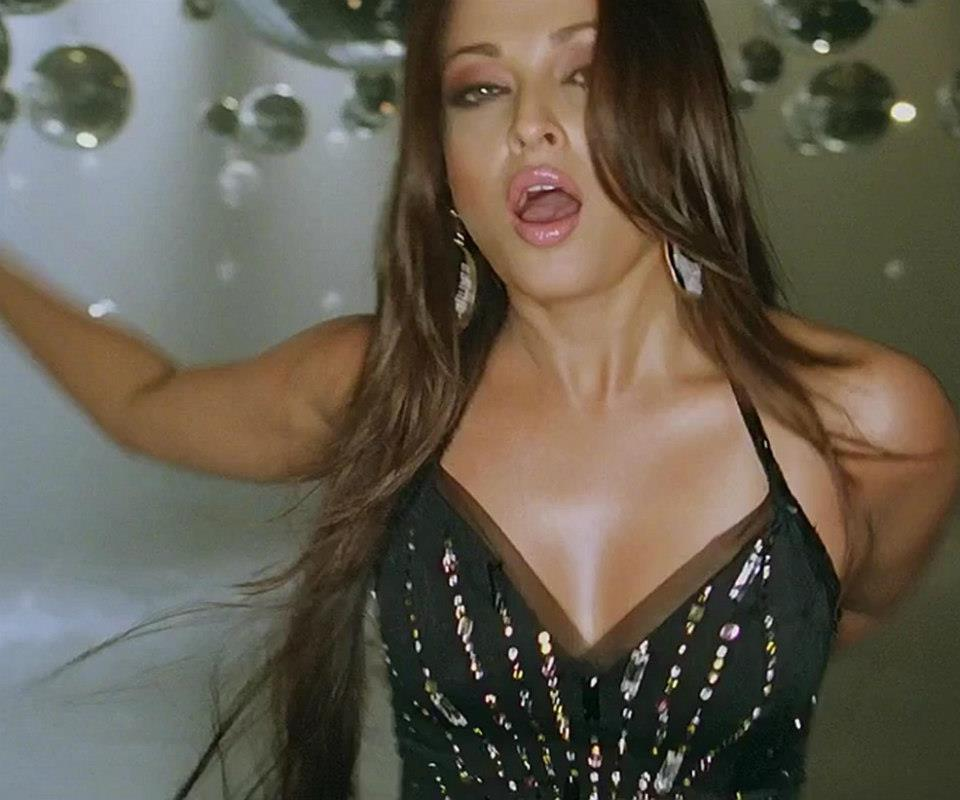 aishwarya rai real boobs