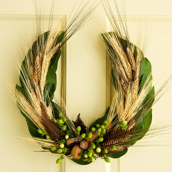 Door Wreath Horseshoe Shape Wheat Straw Green Leaves