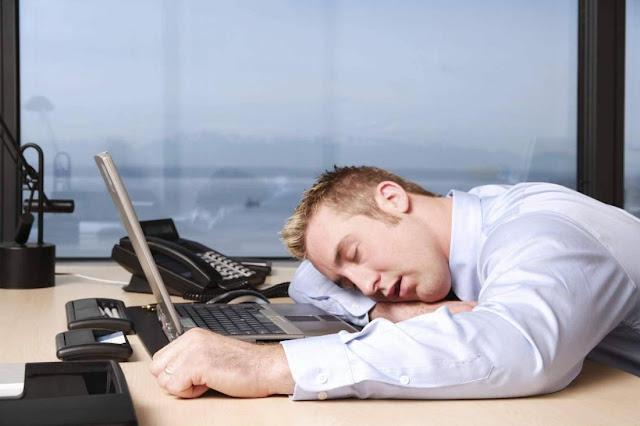 Tips Mencegah Ngantuk Ketika Kerja di Kantor
