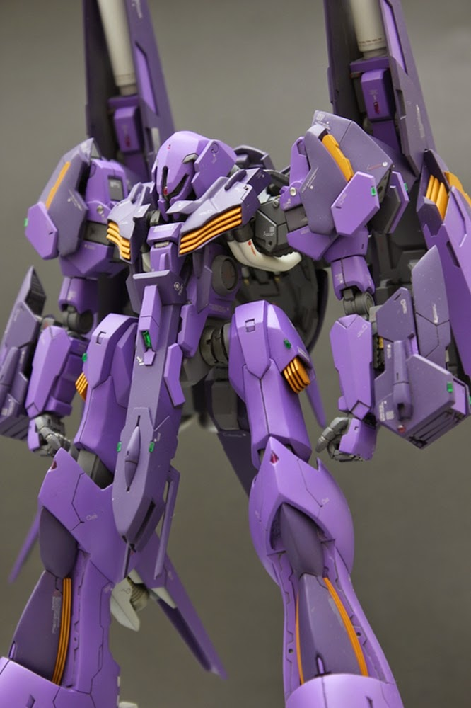 "Custom Build: HGUC 1/144 PMX-000 Messala ""Revised Define Messala"" with Custom Base"