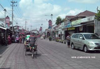 Suasana city walk di Makam Bung Karno, Blitar