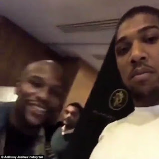 Floyd Mayweather and Anthony Joshua meet fans