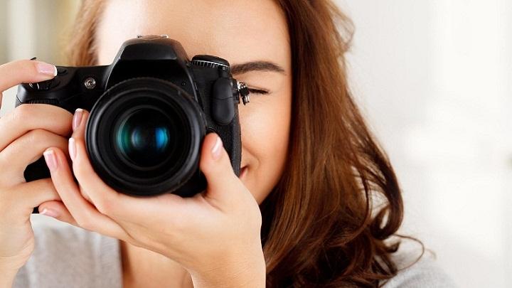 Panduan Memahami Perbedaan Kamera DSLR dengan Mirrorless