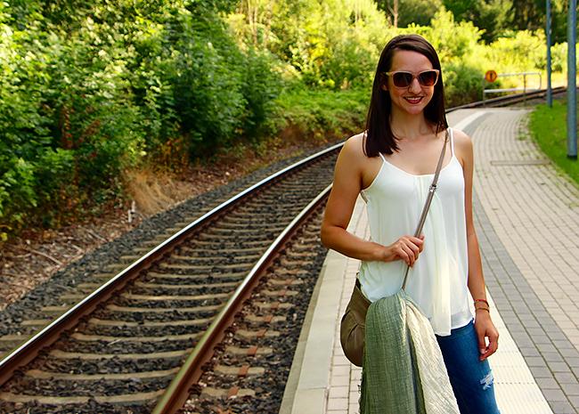 Good HUES-Day Linkup: Kristin of Countdown to Friday