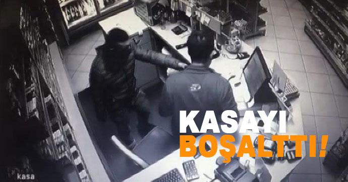 Bıçaklı soyguncu 1000 lirayı alıp kaçtı!