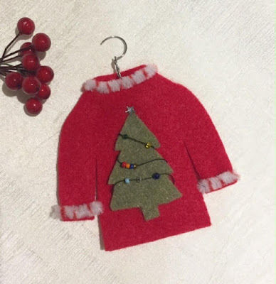 Homemade Christmas Ornaments: Ugly Sweater made with felt