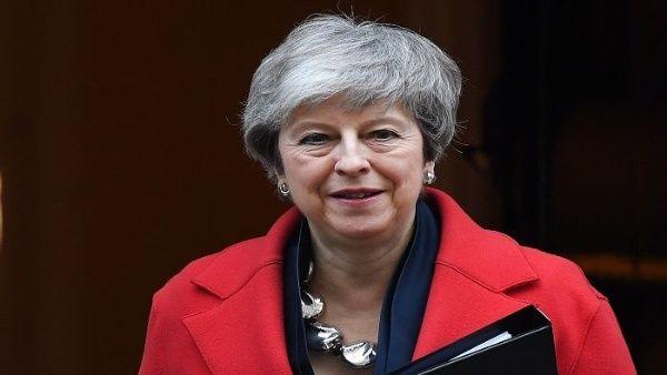Theresa May ofrece al parlamento británico retrasar el brexit