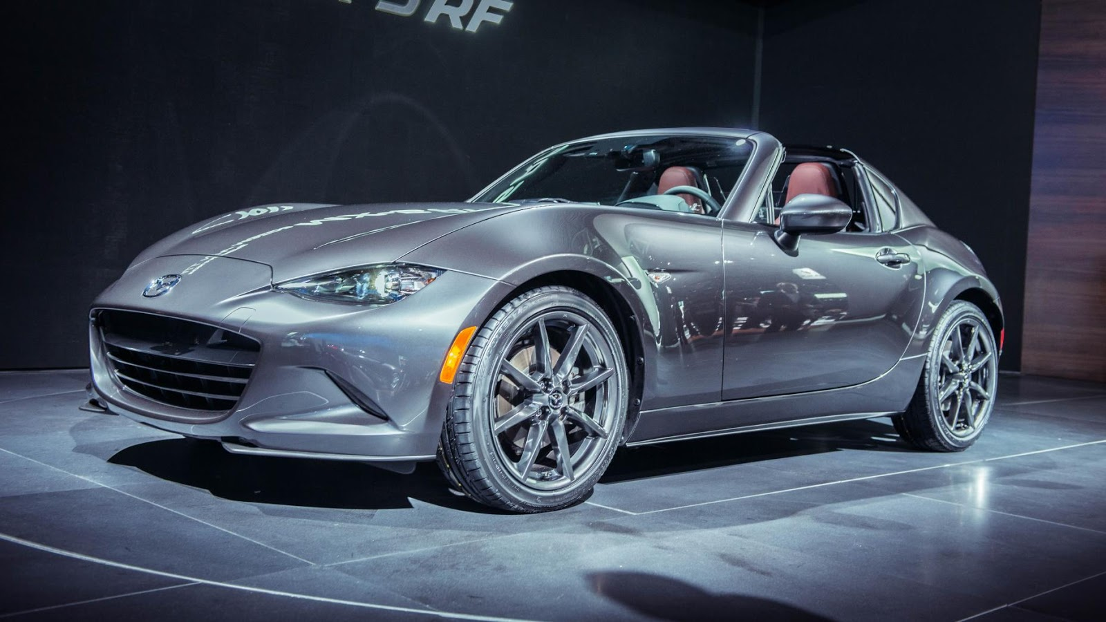 Mazda MX-5 Retractable Fastback