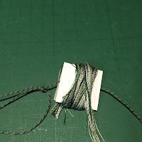 タッセルの作り方4_糸を巻く