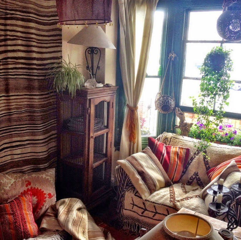 Bohemian Decorating Ideas For Small Studio: Moon To Moon: 'My Nest'... Laura From Fat Lama Vintage