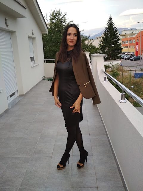 #olivegreen #blazer #heels