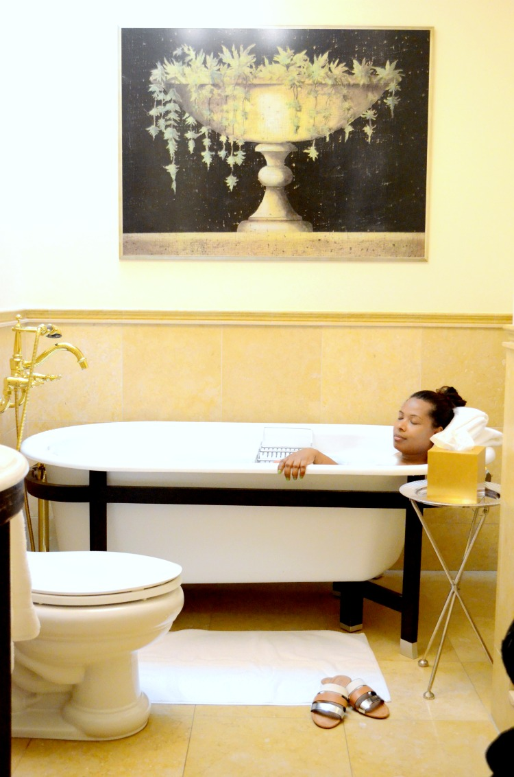 Pamper Yourself at Oheka Castle_Down Time in The Tub