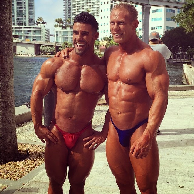 MUSCLE ADDICTS INC: 10 MORE INSANELY HOT PAIRS OF POSING TRUNKS!