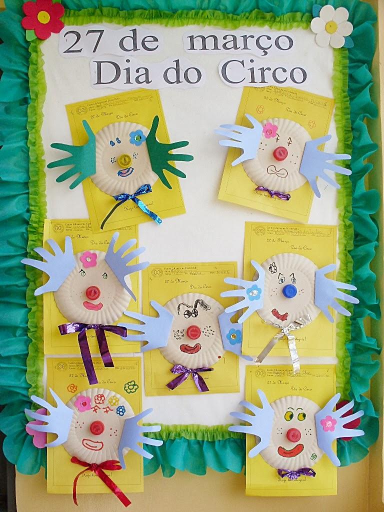 Blog da tia jaque mural dos palha os com pratinhos de for Mural de natal 4 ano