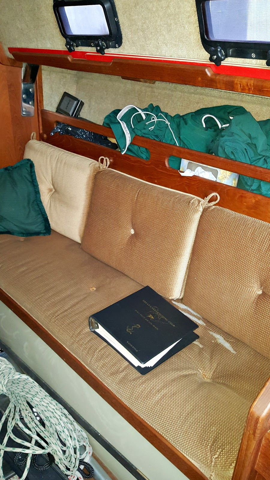30 Foot Sailboat Interior Photos