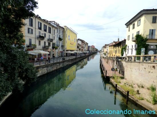 Navigli barrio de canales en Milan