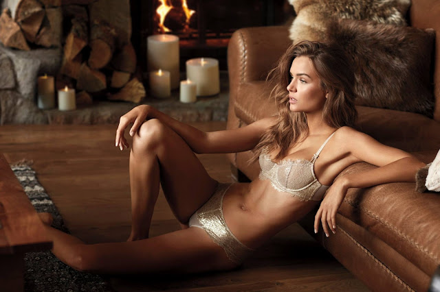 Victoria's Secret Dream Angels Holiday Latest Campaign