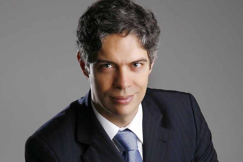 Stefanini promove encontro de executivos com palestra de Ricardo Amorim