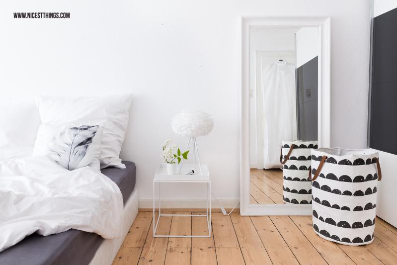 Schlafzimmer aufraeumen mit der KonMari Methode von Marie Kondo
