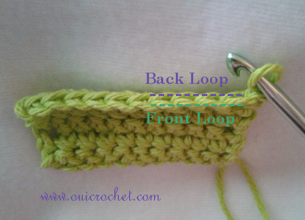 This step-by-step photo tutorial will teach you how to crochet into the back or front loop of a crochet stitch. #OuiCrochet