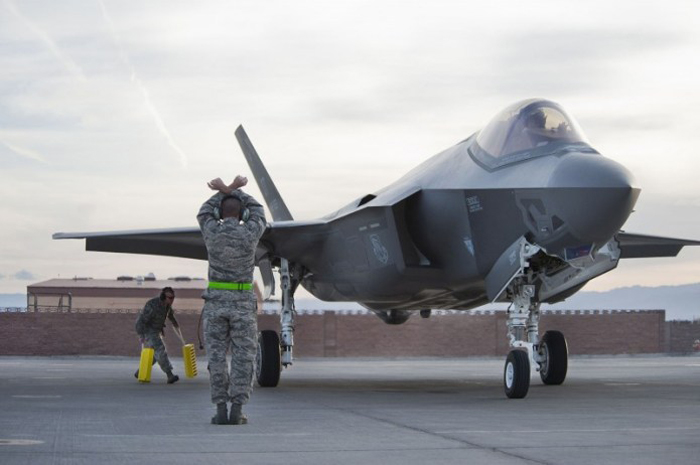 F-35 (U.S. Air Force photo/Lawrence Crespo)