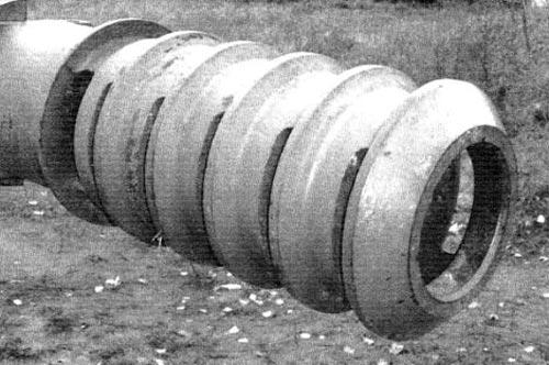Щелевой дульный тормоз 122-мм орудия М-68Т2С танка Т10-М