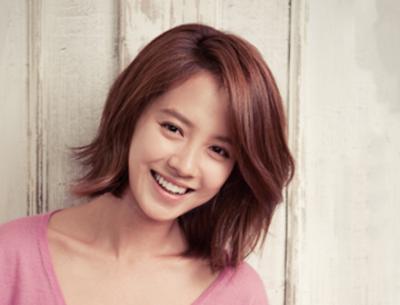 Gaya rambut Pirang Sebahu ala Song Ji Hyo