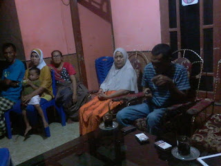 Sangat Gembira, Ayah Korban Abu Sayyaf Sampai Cium TV