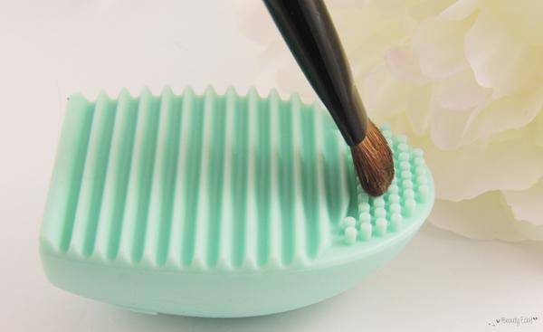 revue avis test nettoyant pinceaux brush egg cleaner