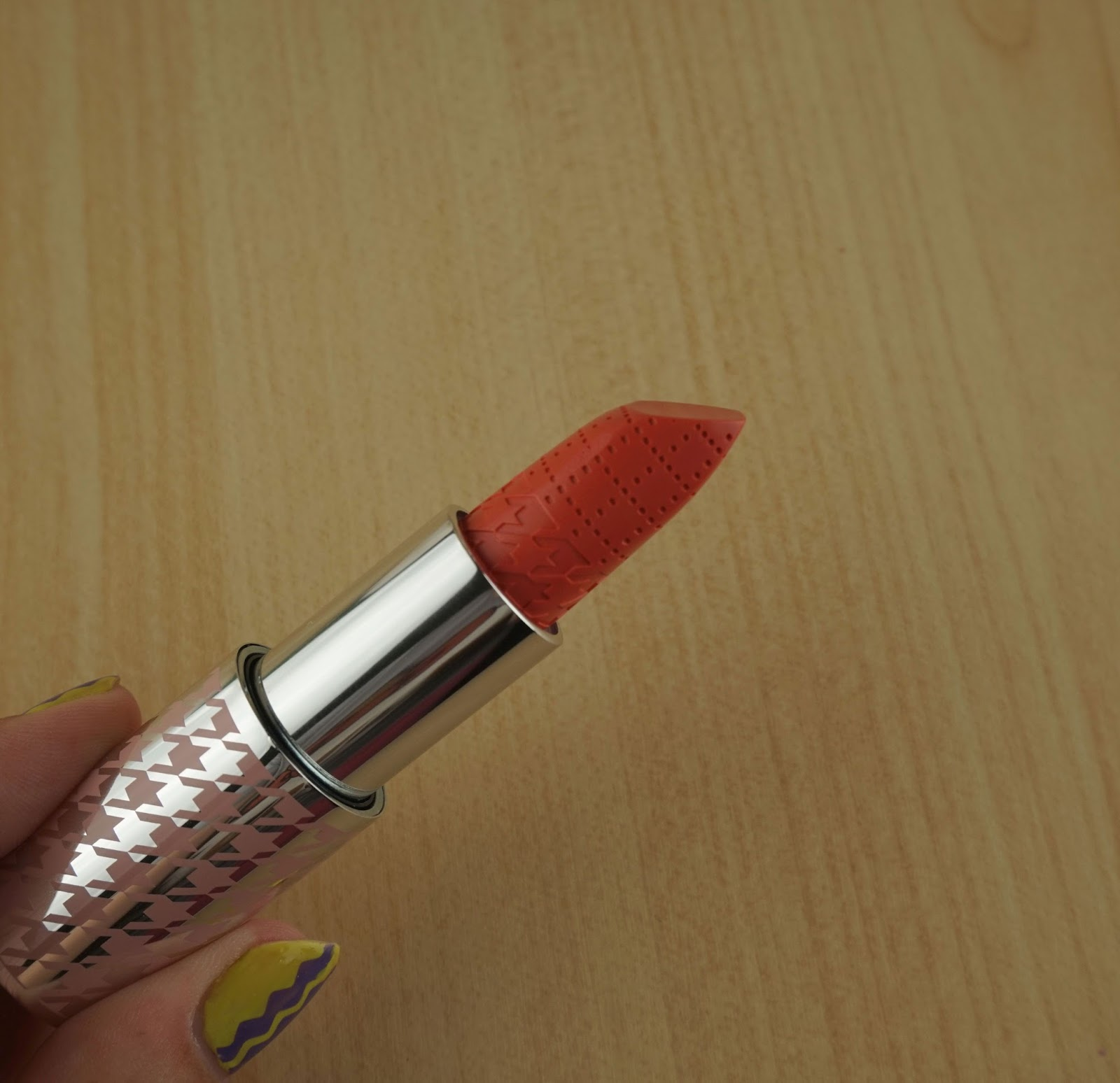 Quo Colour Lust Lipstick Review Swatches pink wisp