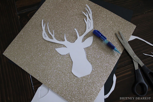 Mom's Guide to All Things Holiday: DIY Deer Head Silhouette Wall Decor, tutorial, how to, Christmas