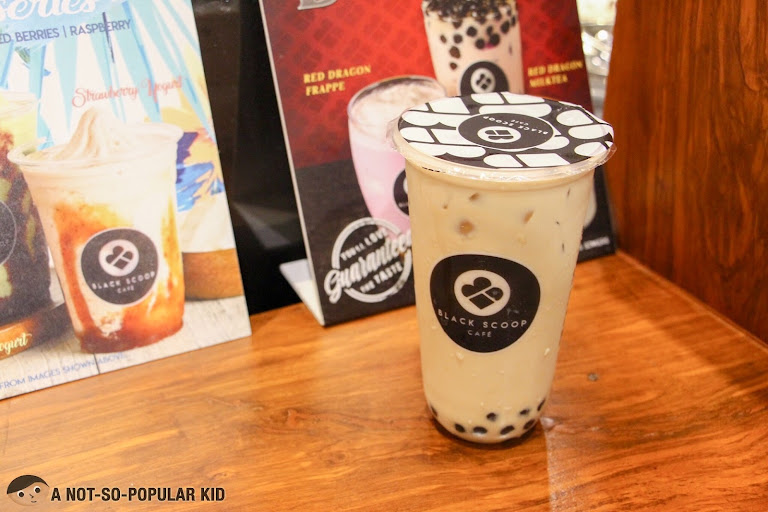 Black Scoop Cafe Okinawa Milk Tea