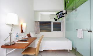 Kamar Mandi Whiz Hotel